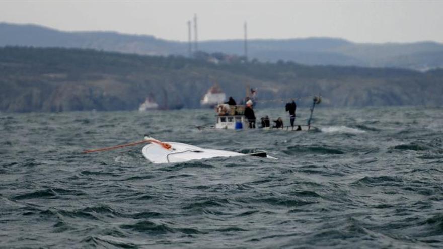 Cinco muertos al naufragar una barca de refugiados en Turquía