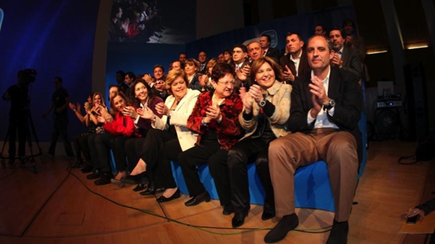 Francisco Camps e Isabel Bonig, bajo de derecha a izquierda, en el acto en el Palau de les Arts de 2011.