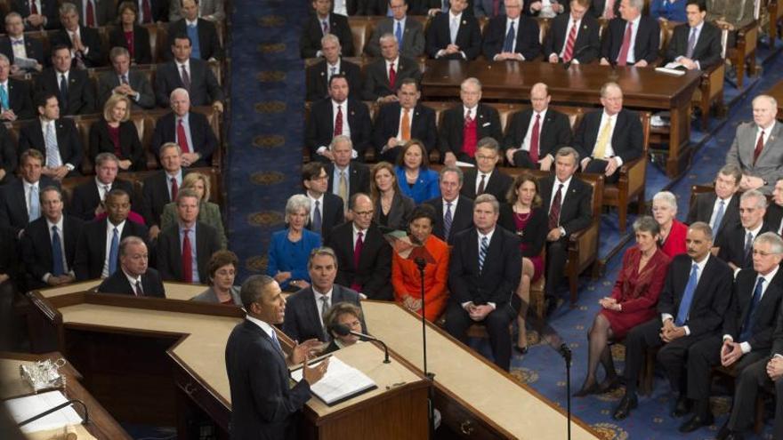 """Obama promete un año """"decisivo"""" para EEUU con medidas al margen del Congreso"""