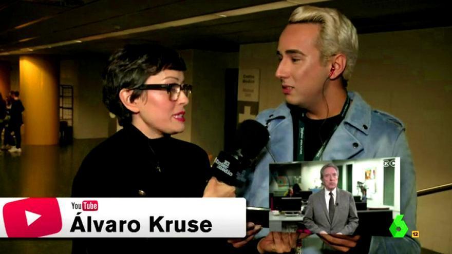 El youtuber Álvaro Kruse, entrevistado por Thais Villas