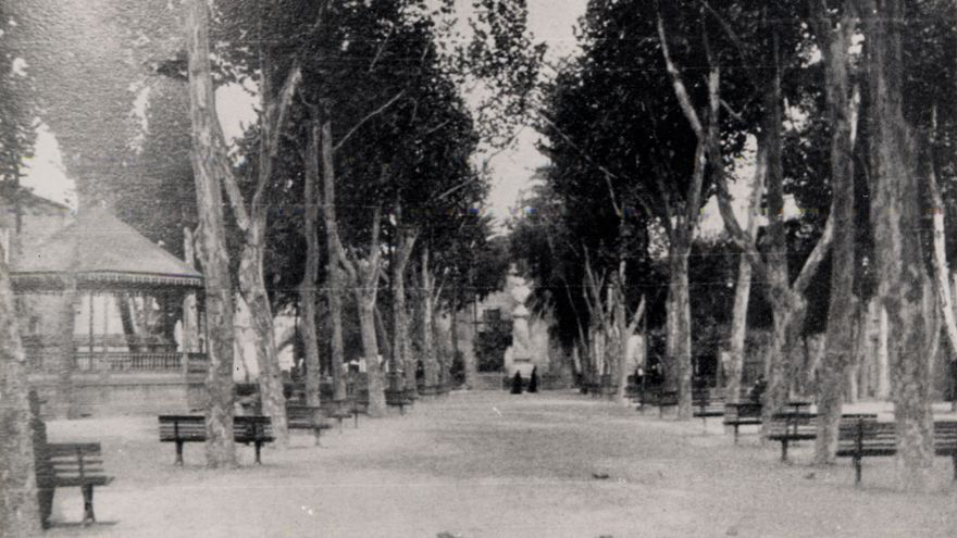 Alameda de Colón (1909)