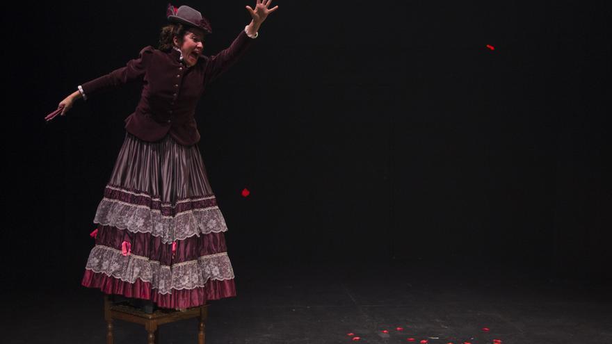 'Emilia' en el Teatro del Barrio sobre Pardo Bazán