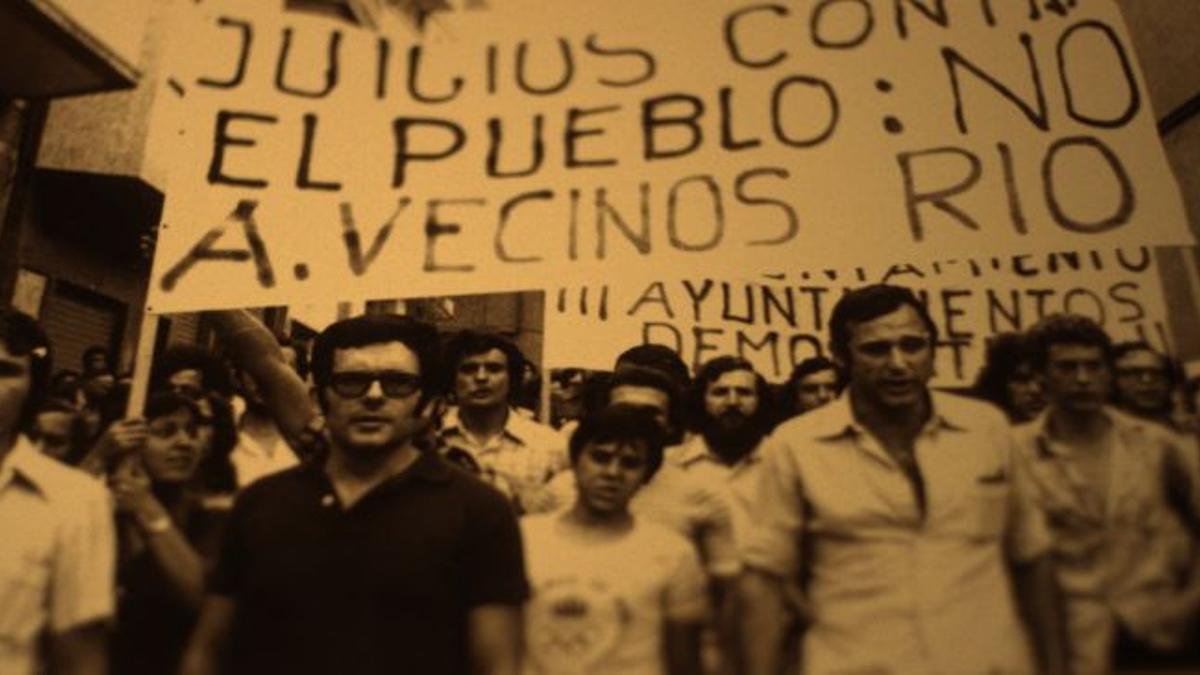 Protesta contra el juicio a una asociación de vecinos en Santa Coloma de Gramenet
