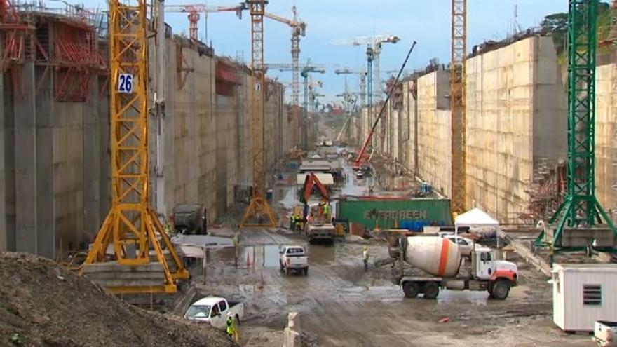 Sacyr participa en la construcción del Canal de Panamá con un socio italiano y otro belga.
