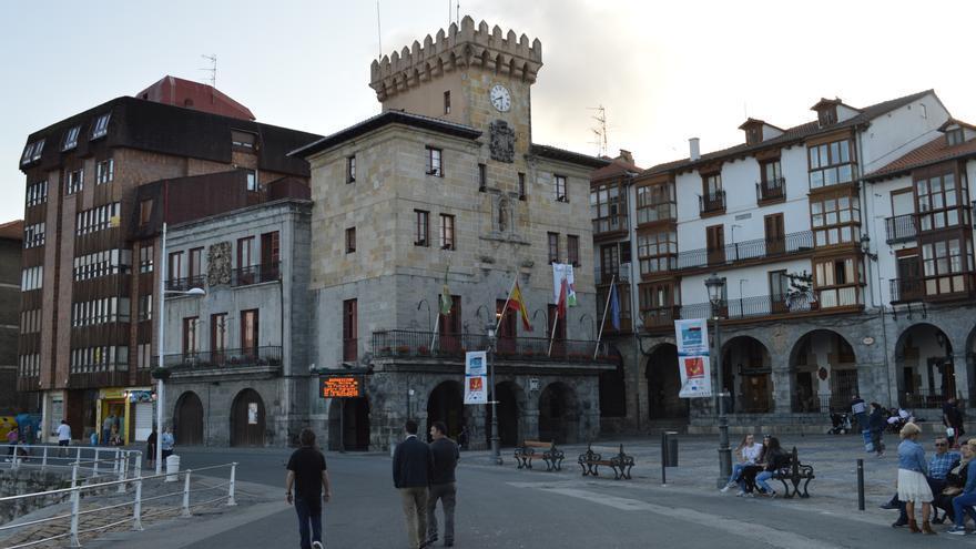 Exterior del Ayuntamiento de Castro Urdiales | RUBÉN ALONSO