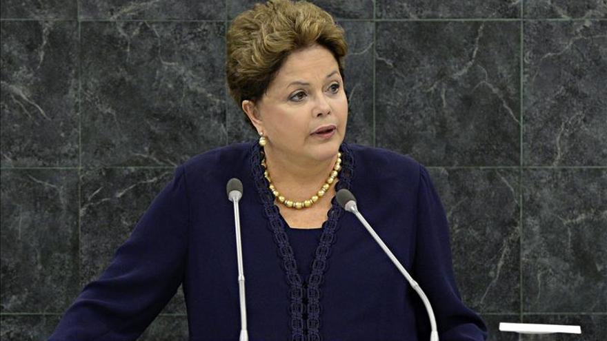 """Rousseff llama """"fascistas"""" a los actos vandálicos en las manifestaciones"""