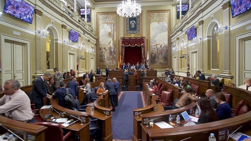 Pleno en el Parlamento de Canarias. (Flickr Parcan).