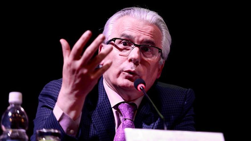 """Baltasar Garzón: es """"inadmisible"""" que España extradite al periodista turco"""