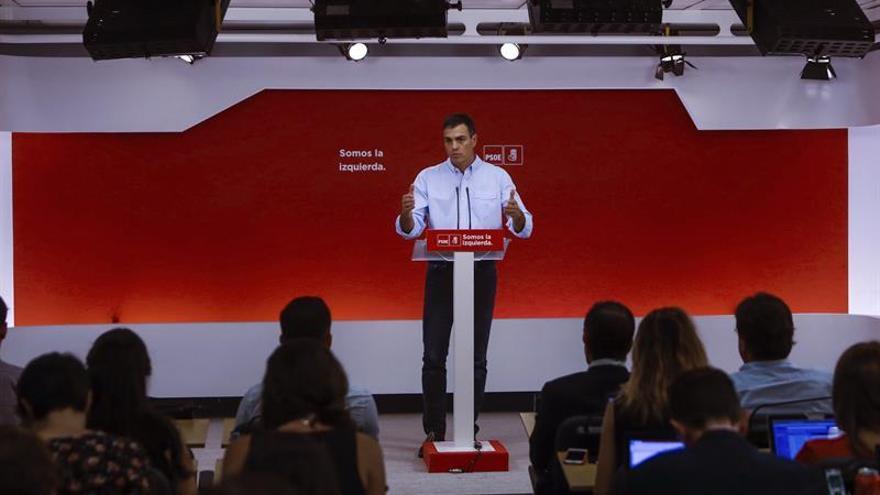 Sánchez apoya a los alcaldes socialistas de Cataluña frente a quienes los señalan
