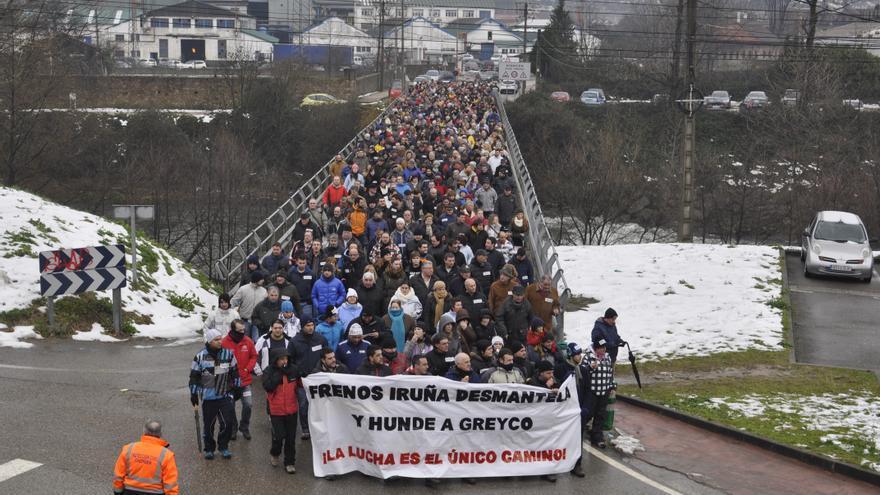 La manifestación de apoyo a los trabajadores de Greyco fue masiva. | JOSÉ MIGUEL GUTIÉRREZ ACHUTEGUI