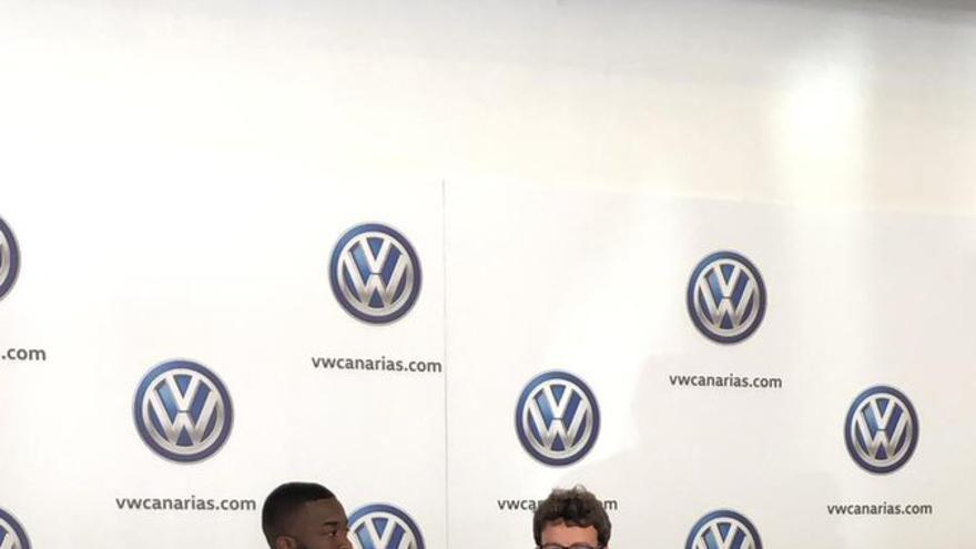 Shaq Moore y Víctor Moreno, durante la presentación del lateral
