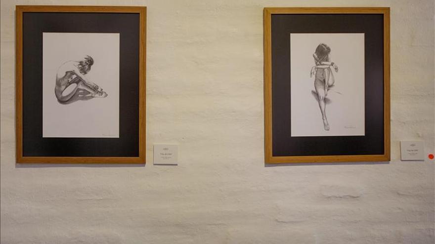 El pintor ecuatoriano Romoleroux vuelve al desnudo para rescatar la esencia del dibujo