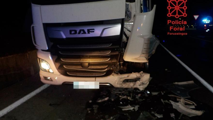 Una conductora resulta herida en una colisión con un camión en Anue y da positivo el alcoholemia