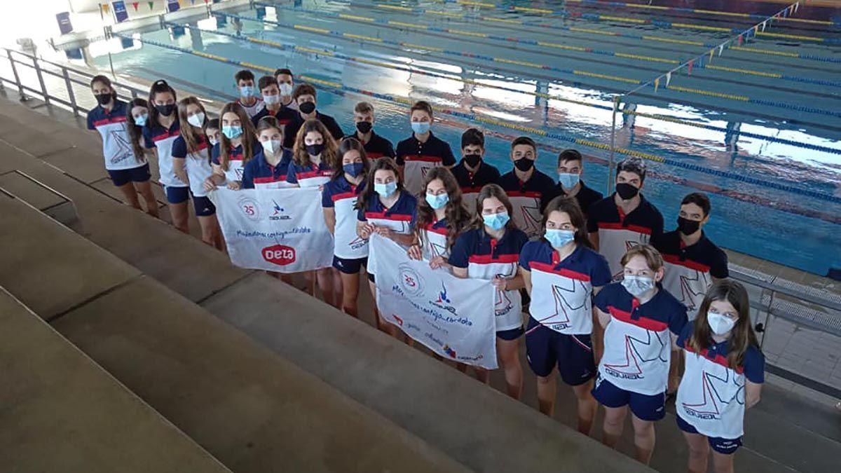 Nadadores del Navial en el Andaluz infantil