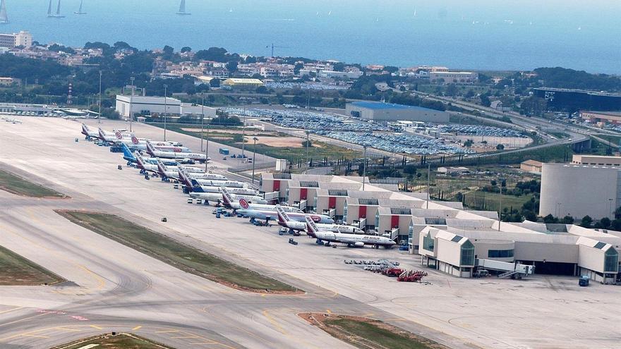 (Ampl.) Fomento invertirá 162 millones en los aeropuertos de Baleares entre 2012 y 2015