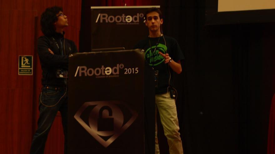 José Vila y Ricardo J. Rodríguez, durante su ponencia en el congreso de seguridad informática Rooted CON