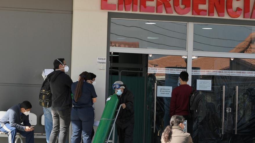 Bolivia registra trece fallecidos y 420 nuevos casos de la covid-19
