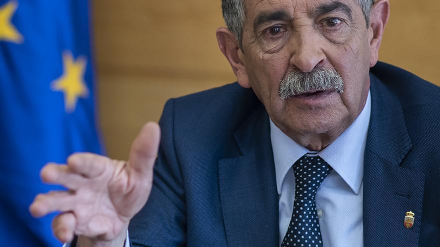 El presidente de Cantabria, Miguel Ángel Revilla. | JOAQUÍN GÓMEZ SASTRE