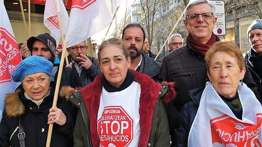 La afectada, durante la concentración en San Sebastián.