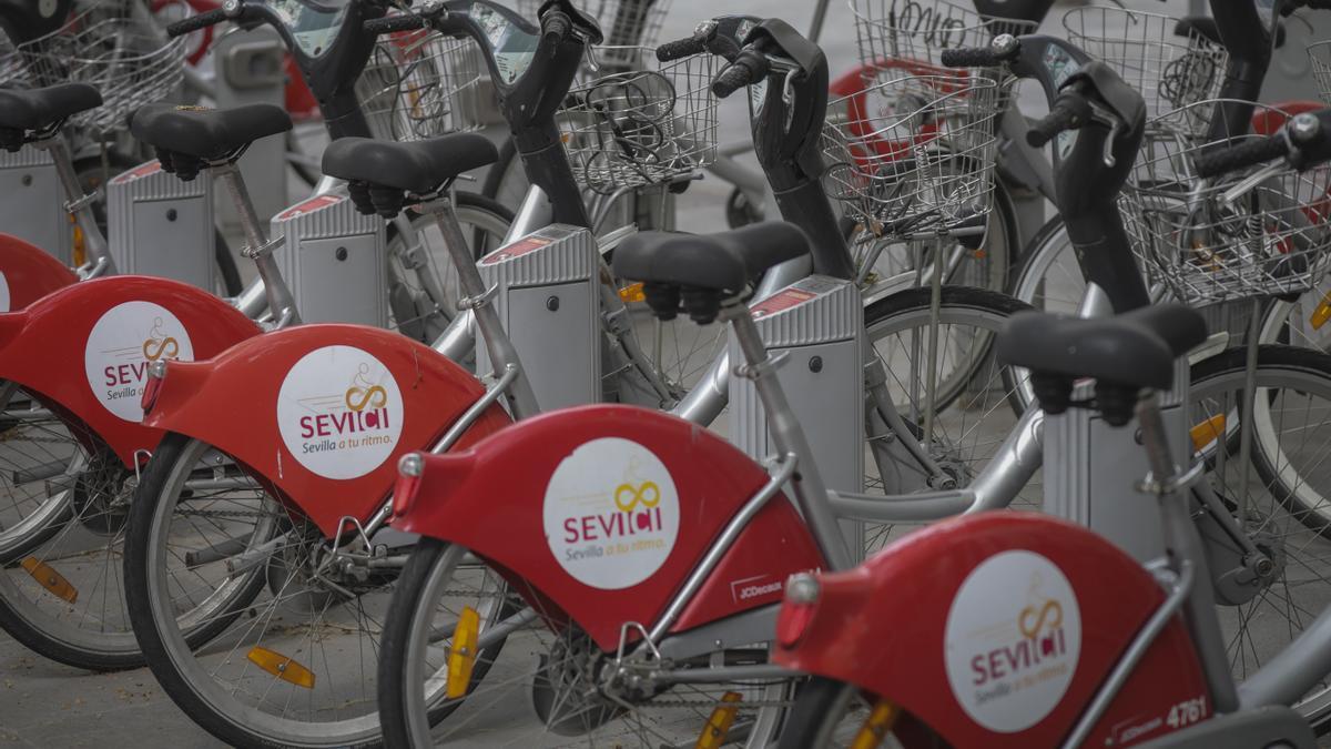 El servicio de alquiler de bicicletas lleva más de una década instalado en Sevilla.