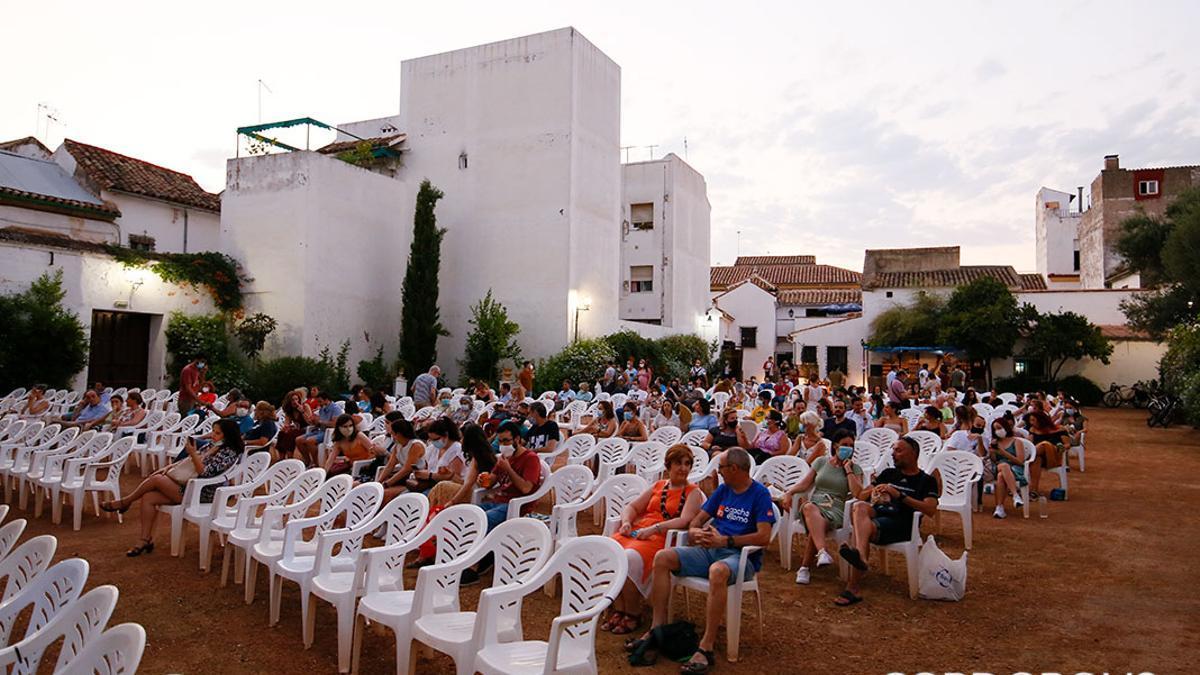 Primer día de cine de verano en el cine Fuenseca