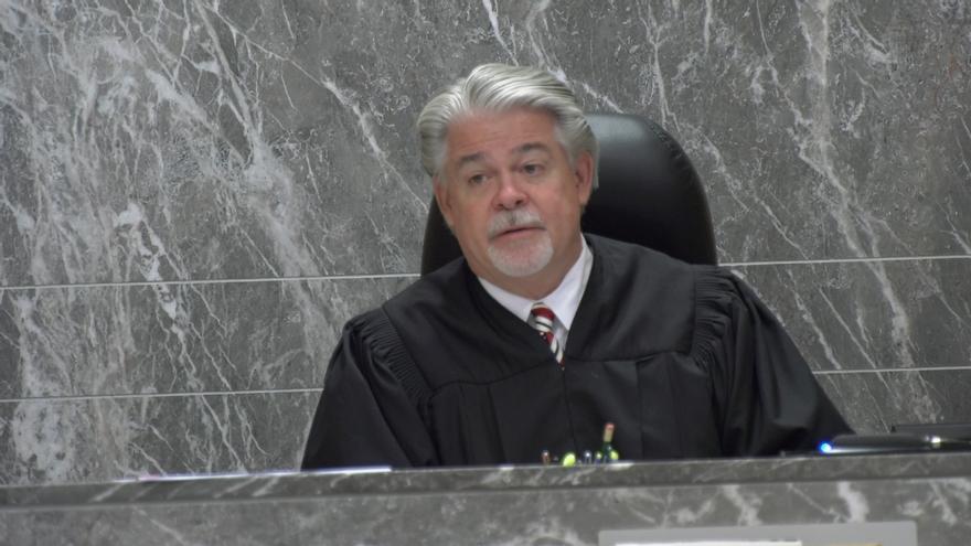 """El juez del caso de Pablo Ibar aparta al suplente del jurado que tuvo información """"inadecuada"""" pero no anula el juicio"""