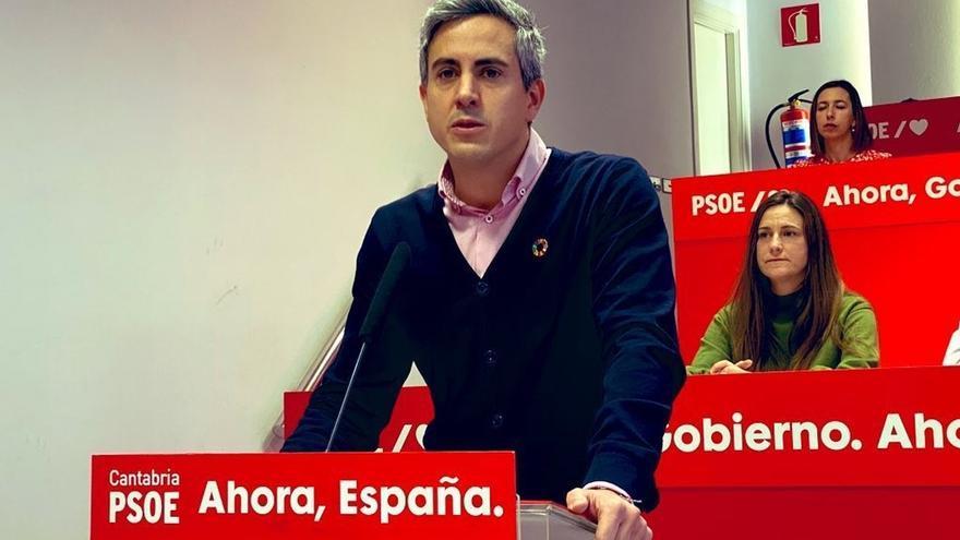 """Zuloaga tacha de """"deslealtad"""" que socialistas de otras CCAA cuestionen las negociaciones para la investidura"""