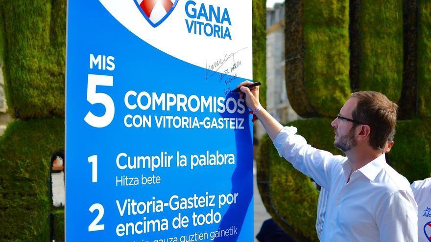 """Maroto (PP) asegura que lleva """"Vitoria tatuado en el corazón"""" y critica a quienes sólo lucen siglas de partido"""