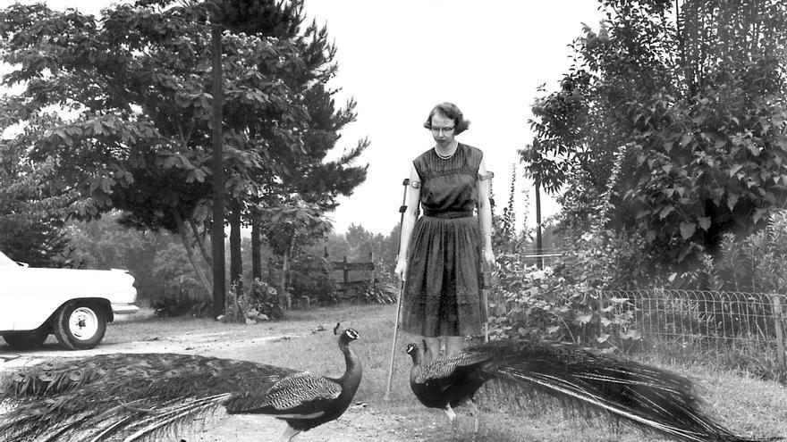 Flannery O'Connor en el camino de Andalusia (1962) - Joe McTyre; Atlanta Constitution.