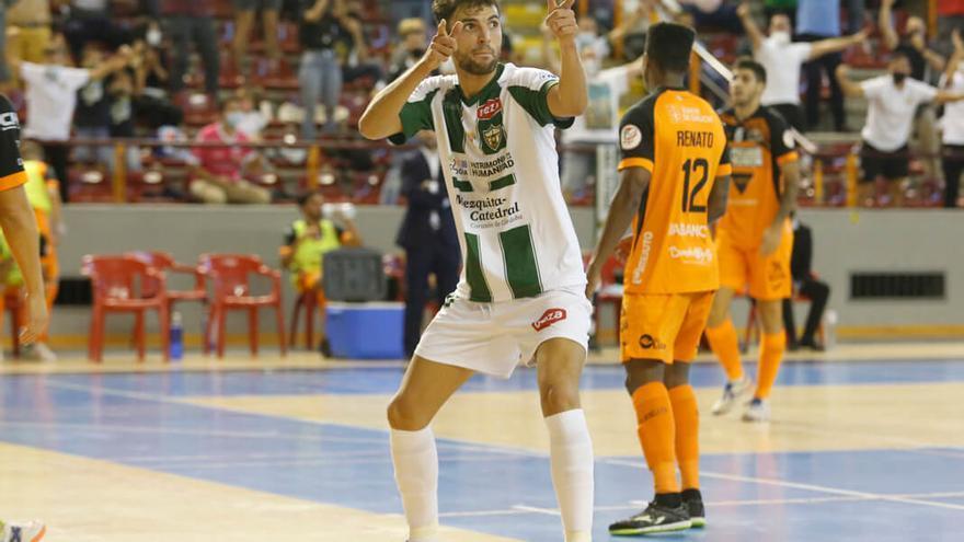 Zequi celebra un gol ante el Pescados Rubén Burela | ÁLEX GALLEGOS
