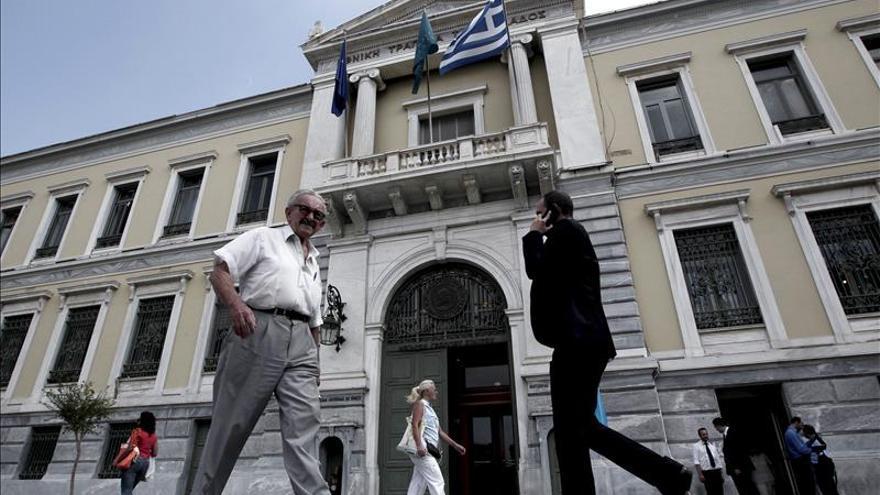 La CE aprueba otros 2.710 millones de euros para el Banco Nacional de Grecia