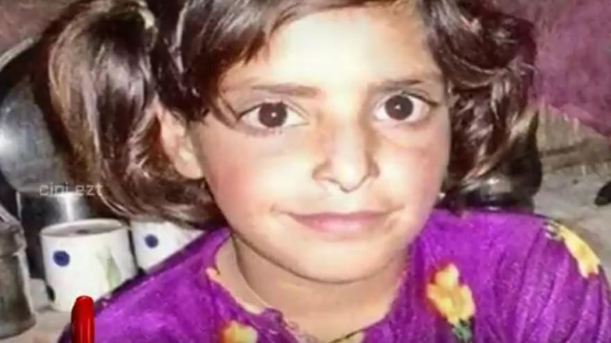 Asifa Bano era una niña musulmana de ocho años que fue raptada, violada y asesinada / Youtube