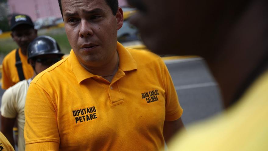 El diputado opositor venezolano acusado de soborno se separa de su cargo