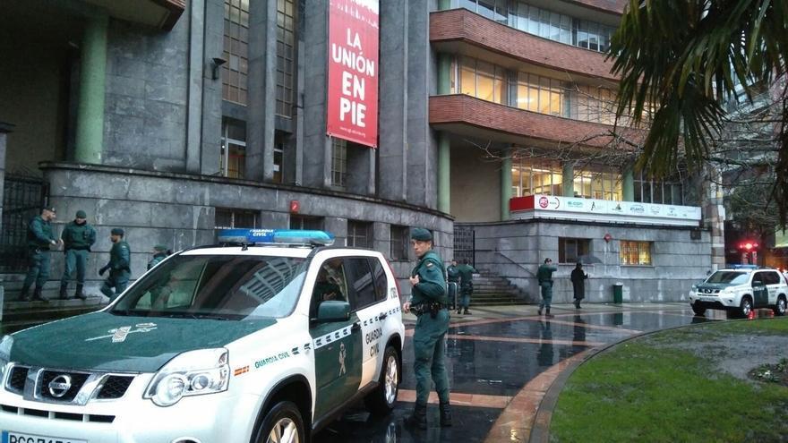 La Guardia Civil registra la sede de UGT en Asturias