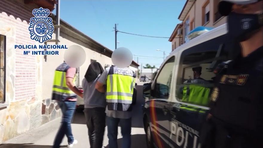 Detenido un yihadista en Toledo con más de 60 manuales sobre explosivos y técnicas de francotirador