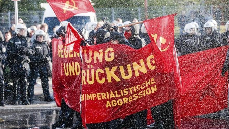 """Incidentes violentos en las manifestaciones """"revolucionarias"""" de Hamburgo"""
