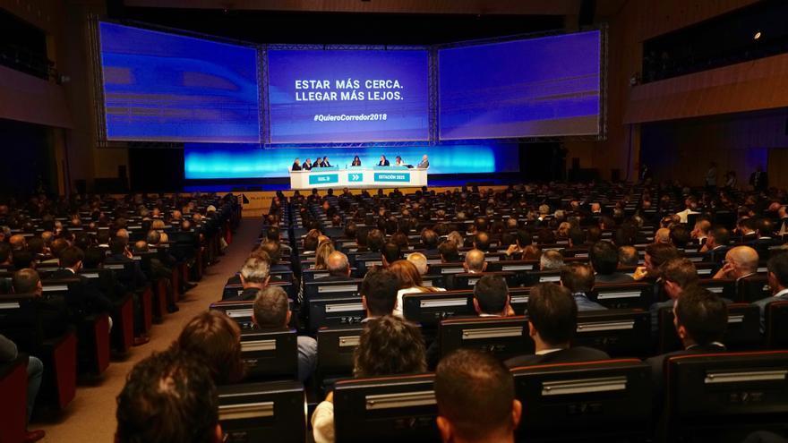 El ministro de Fomento, José Luis Ábalos, ha participado en el acto empresarial por el Corredor Mediterráneo celebrado en Barcelona