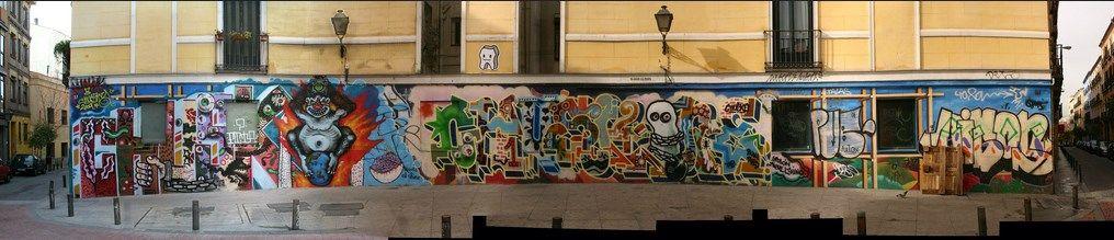 El muro va tomando forma - año 2010 (pincha para ampliar)