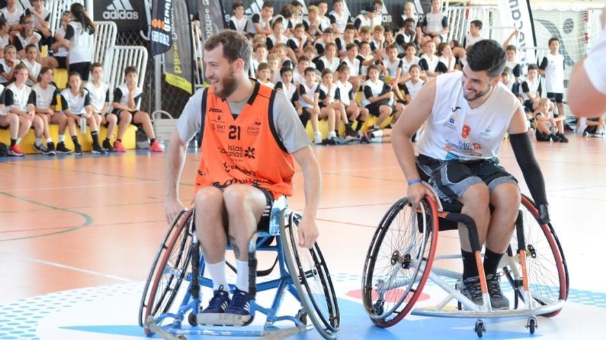 Sergio Rodríguez tuvo ocasión de experimentar con el baloncesto en silla de ruedas
