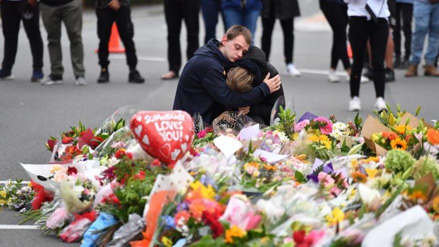 Recuerdan a las 50 víctimas del atentado de extrema derecha en Christchurch, Nueva Zelanda.
