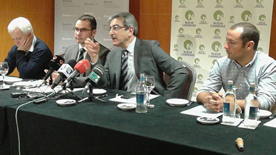 Daniel Díaz junto a Román Rodríguez el día que fue presentado para la Alcaldía de Tacoronte.
