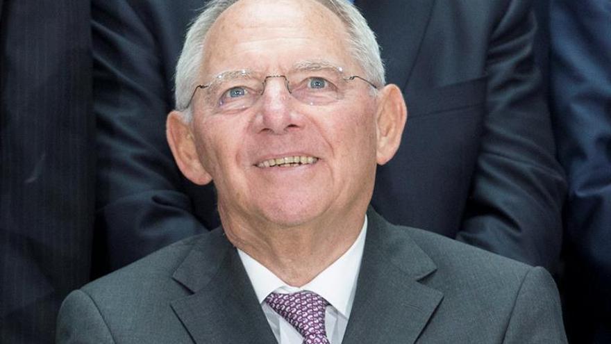 Schäuble carga contra la CE por recomendar a Alemania que eleve la inversión