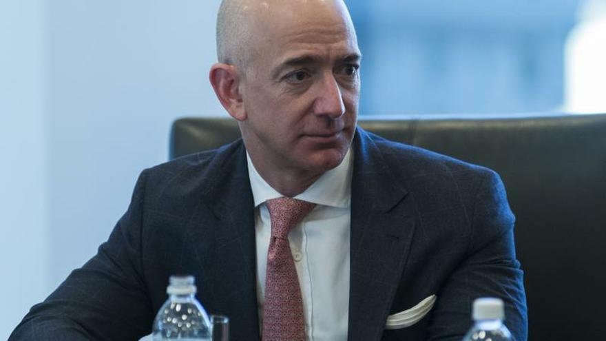Activistas reclaman que Amazon ponga fin a su relación con Inmigración