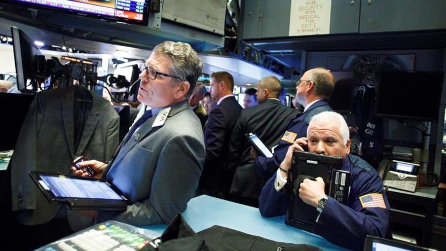Wall Street abre a la baja y el Dow Jones cede un 0,15 %