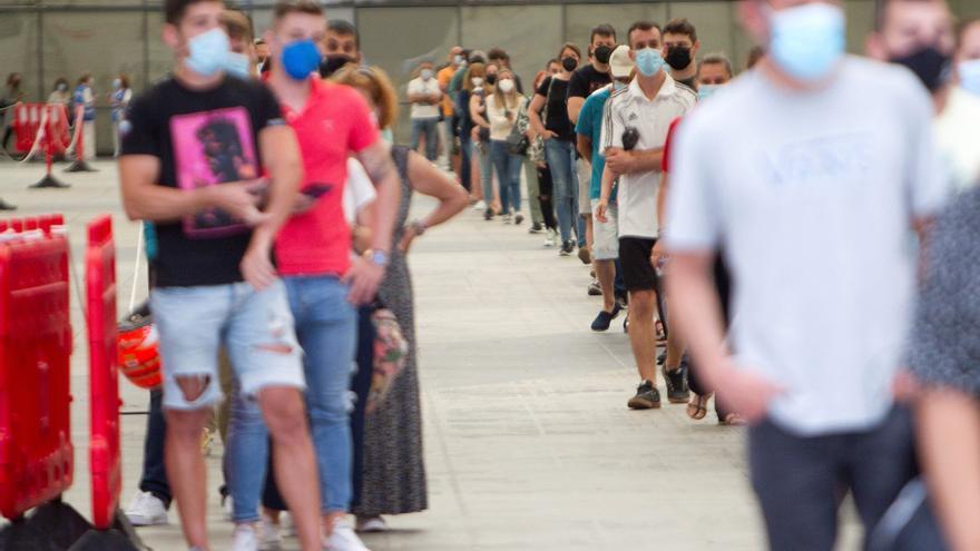 Galicia empezará a vacunar la próxima semana a personas entre 14 y 16 años