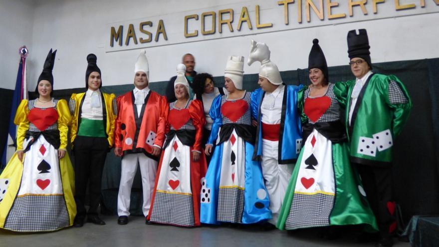 Presentación del disfraz de la Masa Coral Tinerfeña