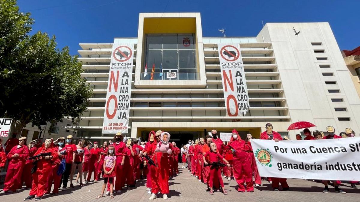 Los vecinos de Quintanar del Rey han sido muy creativos en sus protestas