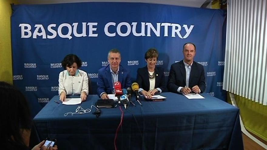"""El lehendakari critica que Rajoy está haciendo una política de """"dejar que todo se pudra"""""""