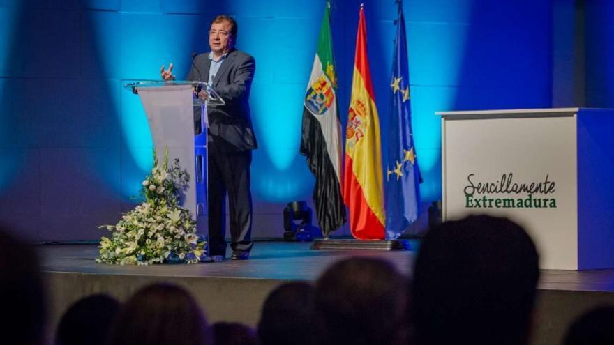 El presidente de la Junta de Extremadura, Guillermo Fernández Vara, durante su intervención en el acto