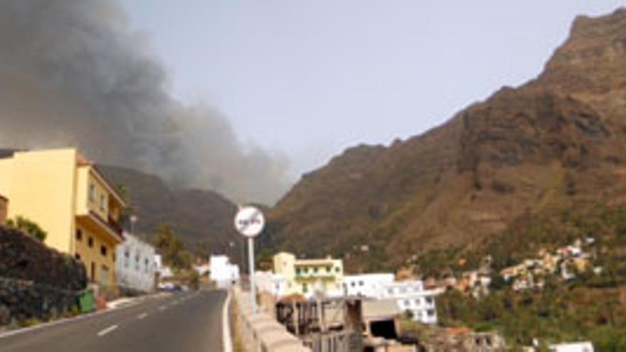 El incendio activo en La Gomera. (ACFI PRESS)